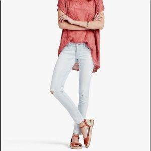 Charlie Skinny Jeans - low rise with distressing